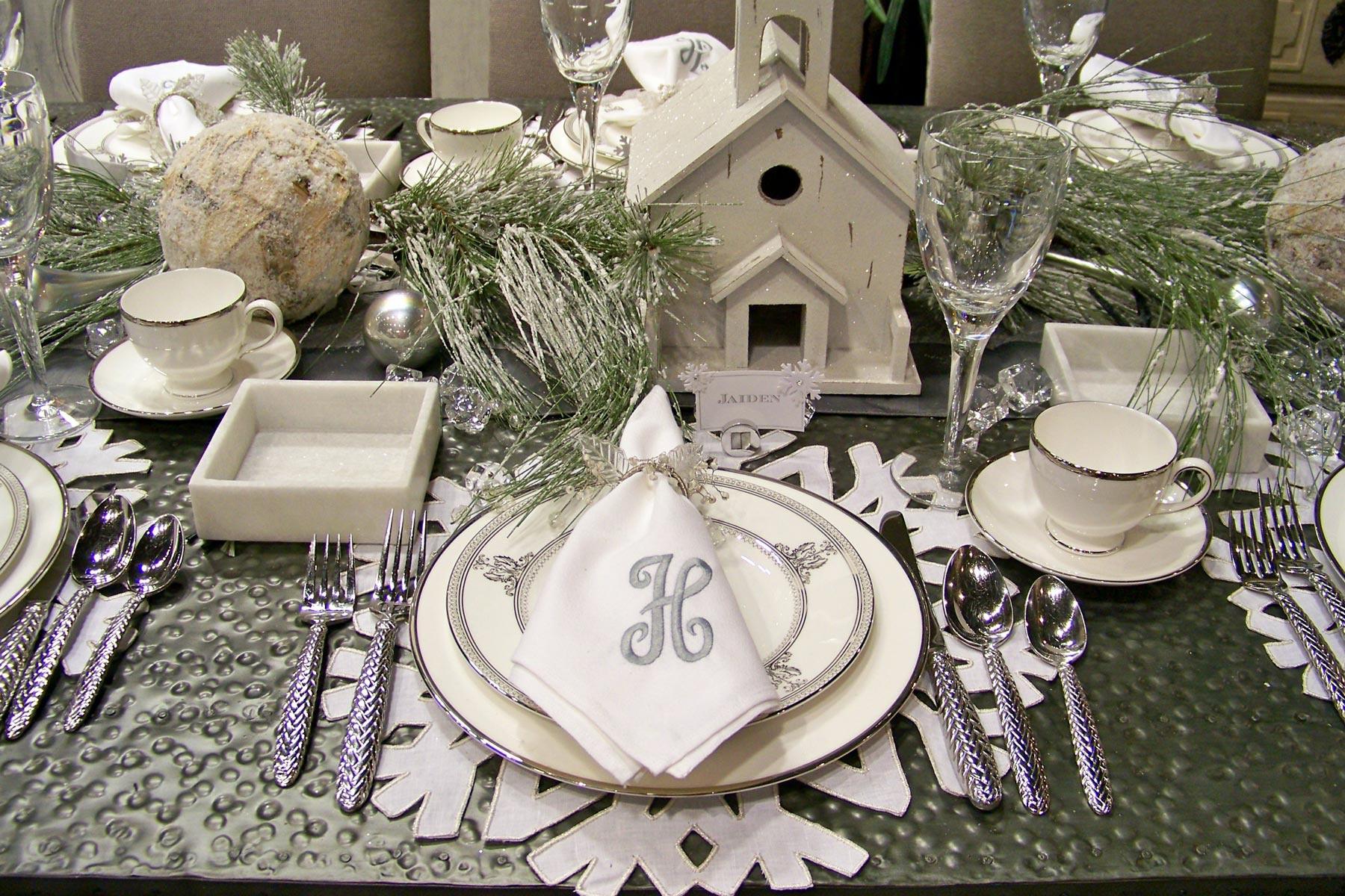 Основные правила сервировки новогоднего стола