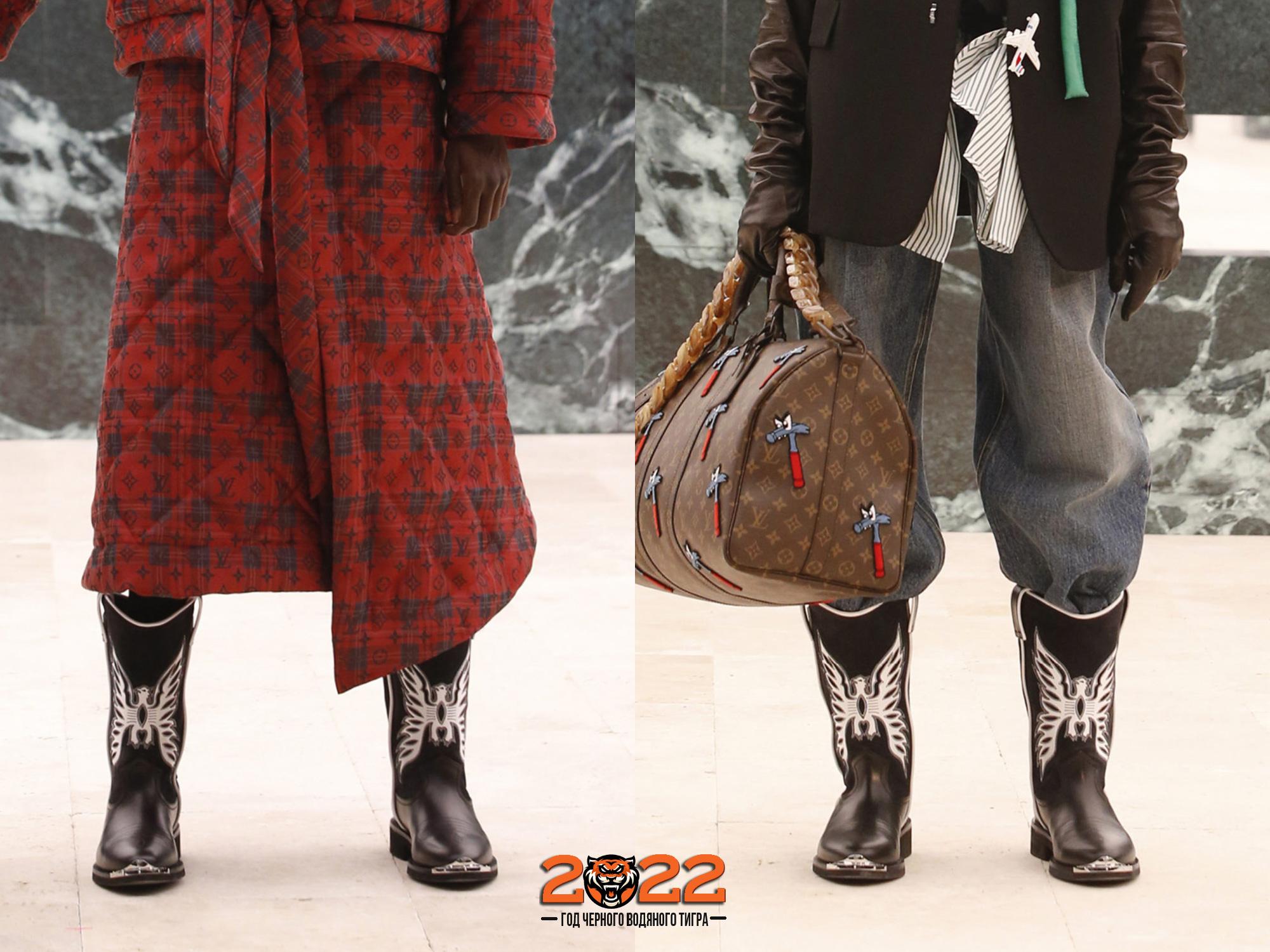 Модные сапоги с аппликацией и металлическими накладками от Louis Vuitton зима 2021-2022