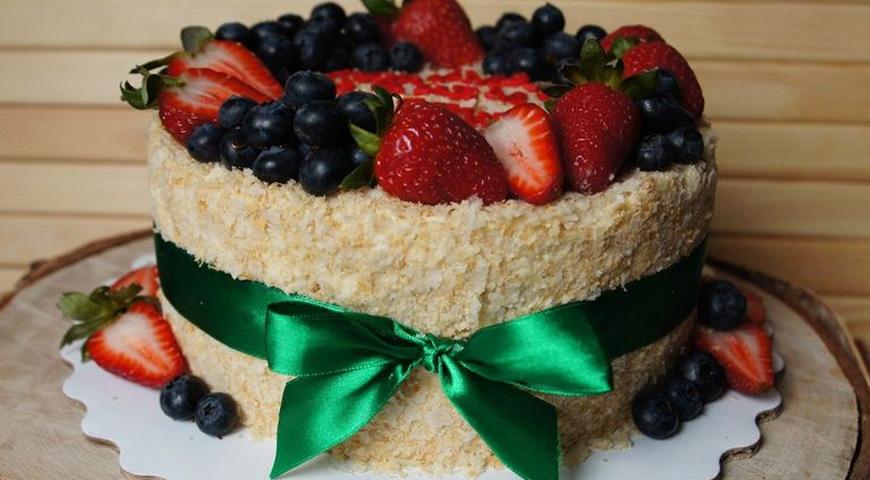 Торт Ягодный Наполеон на Новый Год 2022
