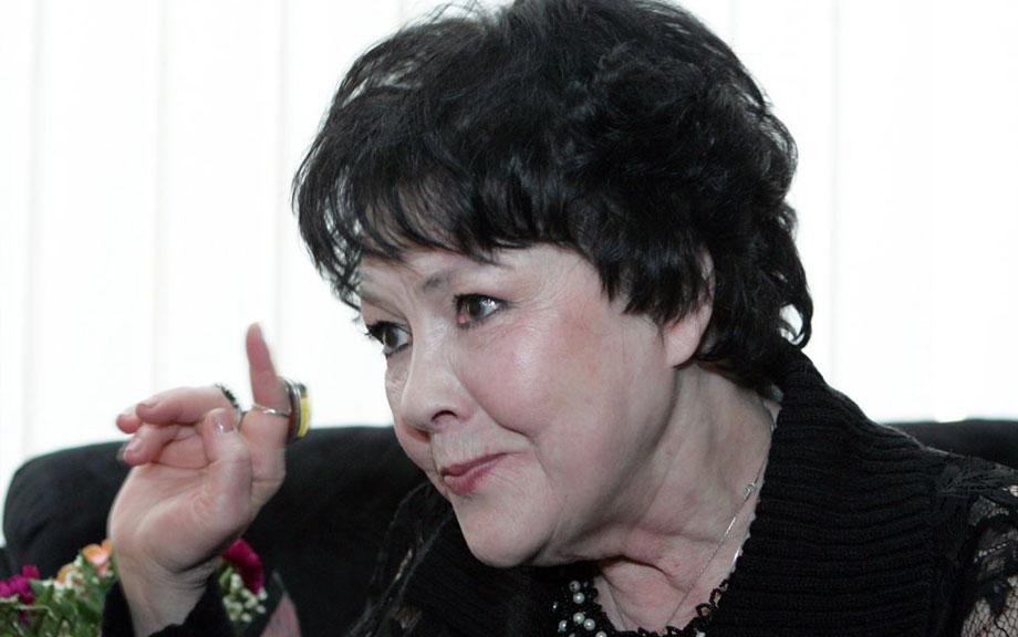Писатели-юбиляры 2022 года - Белла Ахмадулина