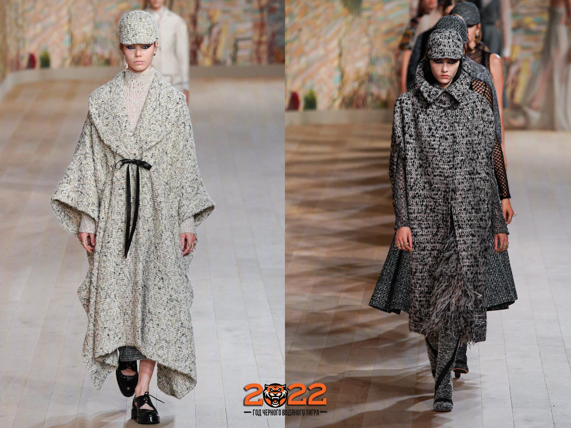 Модное пальто-кейп на 2022 год