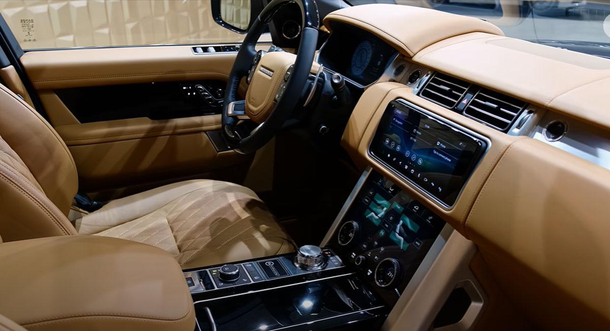 Интерьер Range Rover 2022 года