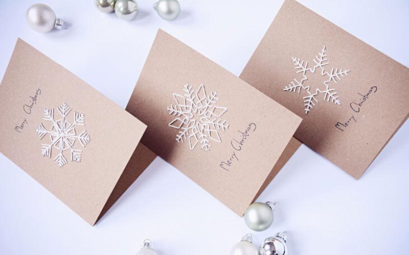 Нитяные открытки с Новым 2022 годом своими руками - снежинки